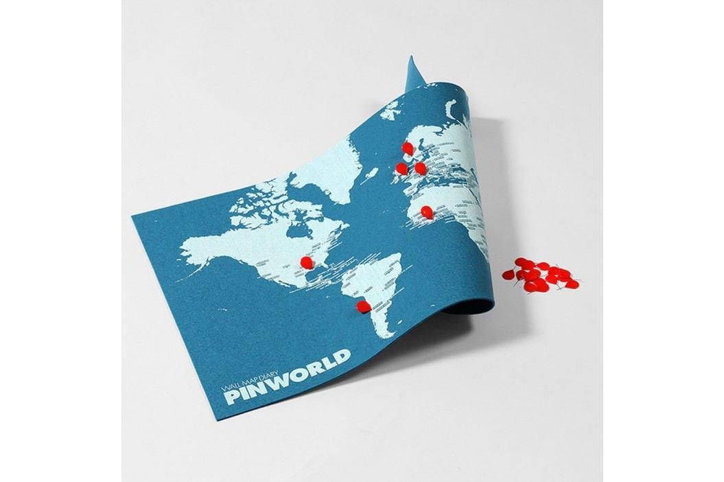 Hartă a lumii de perete Palomar Pin World Mini, 77 x 48 cm, albastru Cadouri